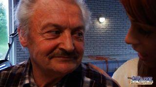 젊은 할아버지가 늙은 할아버지