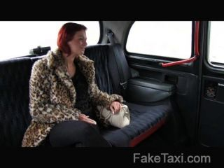 faketaxi 고객이 현금으로 사로 잡혔다.