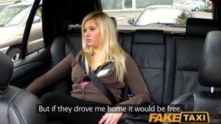 faketaxi 금발은 택시에서 뒤에 성관계를 가졌습니다.
