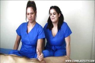 간호사가 엄청난 사정을 추출하다.