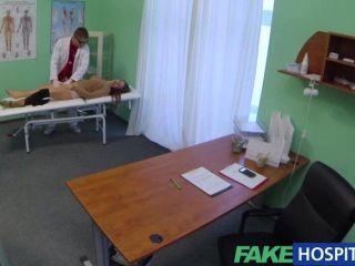가짜 병원 우울증 의사에 의해 파란색 치료