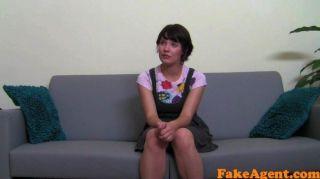 fakeagent 귀여운 소녀 얼굴을 처음 걸립니다