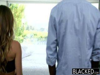 속임수 여자 친구 레미 라크 루아에 대한 검은 색 인종 간 휴가