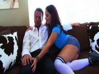 sheena와 그녀의 계단 아빠