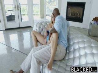 큰 검은 수탉에 검은 색 완벽한 레이시 존슨 squirts