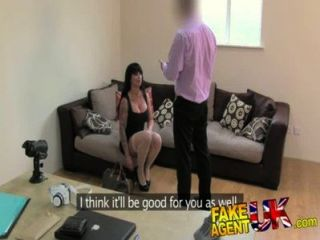 fakeagentuk 꽉 음부 AV 여배우 가짜 캐스팅에 에이전트 문제가 발생