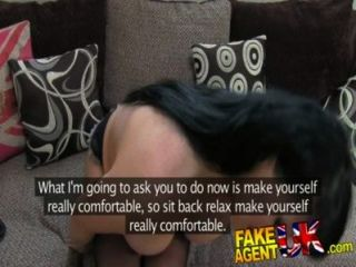 fakeagentuk 더러운 영국 아마추어는 그녀의 엉덩이에 대리인 큰 수탉을 사랑한다.
