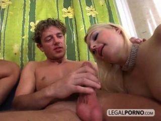 거대한 거시기가 섹시한 여자가 섹스 20시 20 3