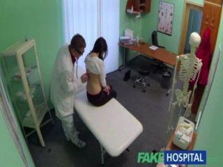 가짜 병원 의사 콕 치료 시끄러운 섹시한 흥분한 환자 질환