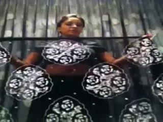 인도 대학 여자 saree의 자기 제작 비디오