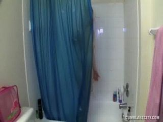 욕조에서 씹다