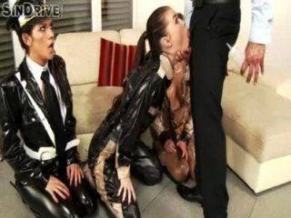 냉혹 한 엉덩이 리퍼 renato는 tina hot, misha cross \u0026 sami의 하드 항문 레슨을받습니다.