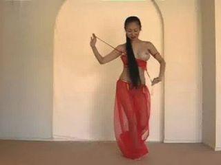 아름다운 태국 배꼽 댄서