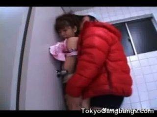 아시아 처녀는 변태 무료 십대 섹스 영화 어린 소녀에 의해 엿