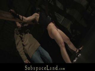하드 코어 노예 암캐에 대한 고통스러운 처벌