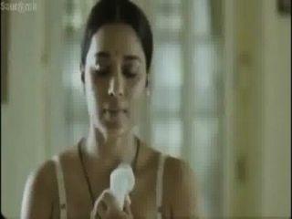 그녀의 삼촌 앞에 뜨거운 bangali 여배우 복장 변경
