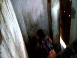 화장실에 방글라데시 바비