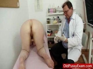 건강 검진 중 털이 많은 문맥 관장