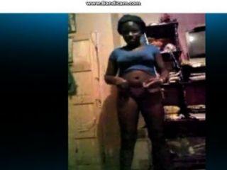 스카 이프 섹시한 흑인 소녀와 뜨거운 엉덩이