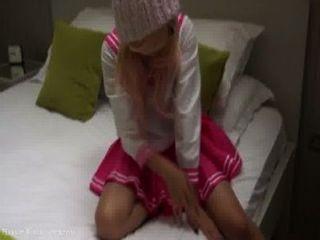 핑크색 일본 여학생 코스프레 비제이