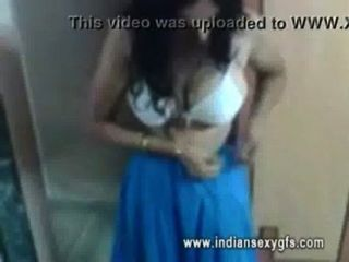 유도 인도 bhabi 노출 그녀의 busty 수치 indiansexygfs.com