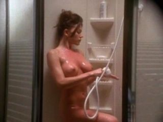 크리스타 알렌과 폴 마이클 로빈슨 섹스 장면 from emanuelle 4
