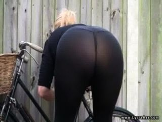 섹시 라이크라 엉덩이 영국 milf daniella 영어
