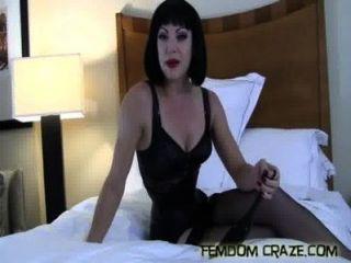 내 풀 타임 섹스 노예가되고있다.