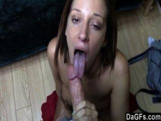 뜨거운 가슴 아픈 걸레가 나와 함께 빠른 섹스를 원해.