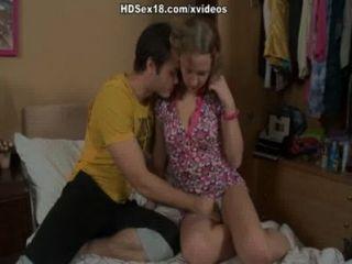 꽉 여자 금발 그녀의 첫 항문 포르노 두근을 가져옵니다