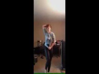 리사, 누가 춤을 추던가?
