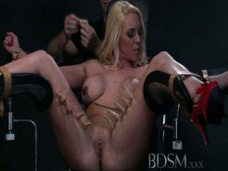 bdsm xxx mouthy submissives는 분출하기 전에 하드 코어 레슨을받습니다.