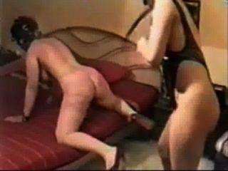 내 노예 아내에게 하드 채찍질