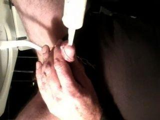 음경과 정액에 우유 삽입