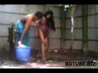 방글라데시 마을 커플 입욕 섹스 비디오 입욕