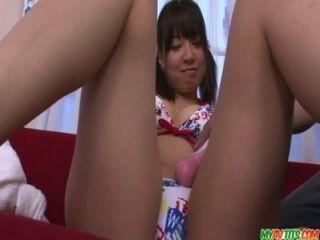 일본 바이브레이터와 어울리는 큰 가슴의 십대 부루마 아오이