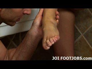 내 기름진 발로 너의 뚱뚱한 수탉을 저크.