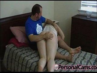갈색 머리 아마추어 매력적인 엉덩이를 얻을 spanked404 [14]