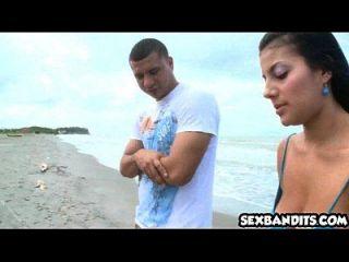 05 해변에서 콜럼비아의 섹시한 여자 02