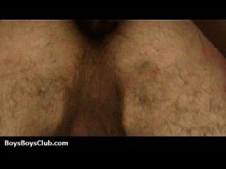 젊은 백인 섹시한 소년은 검은 남자 04 엉덩이에 깊이 쳤다.