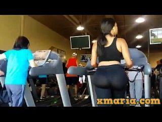 체육관에서 큰 전리품, 큰 엉덩이 레깅스