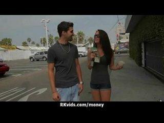 매춘부는 섹스를 위해 돈을 받고 테이프를 얻는다 9