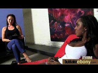흑인 포르노 스타와의 인종 간다 섹스 9