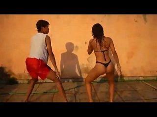 085 아주 멋진 브라질 여자 비키니 펑크 춤