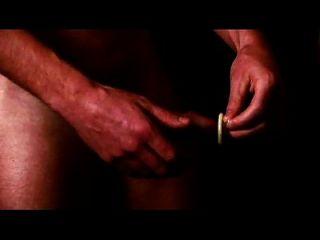 브렌트 corrigan 콘돔을 사용하는 방법