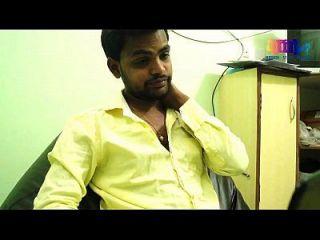 소프트웨어 엔지니어와 인도 주부의 로맨스