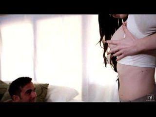 섹시한 여학생 켄달 karson 빨고 큰 수탉을 타고 eroticvideoshd.com
