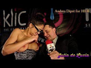 줄리아 데 루시아 (Julia de lucia)는 그녀의 음부에 롤리팝을 넣고 andrea diprè