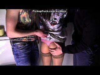 바람 피는 아내와 함께 뜨거운 섹시한 포르노 비디오 3