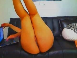 큰 엉덩이를 가진 섹시한 라티 나는 69porncams.com에서 더 자위하고 분출합니다.